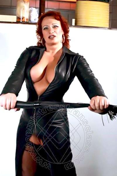 Mistress Transex Baden-Baden Tina Taylor