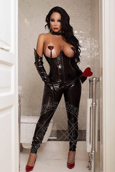 Mistress Transex Parigi Belle Marcia Paris